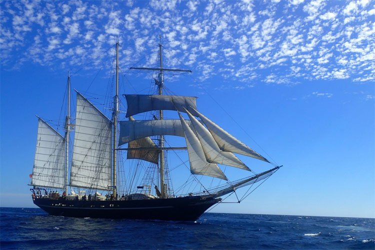 Image of the Leeuwin on the open ocean